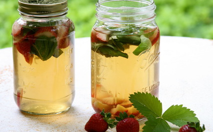 Чай с базиликом и шалфеем для борьбы с плохим дыханием