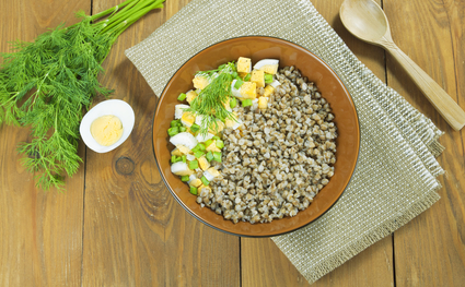 Что лучше есть на завтрак — белки или углеводы?
